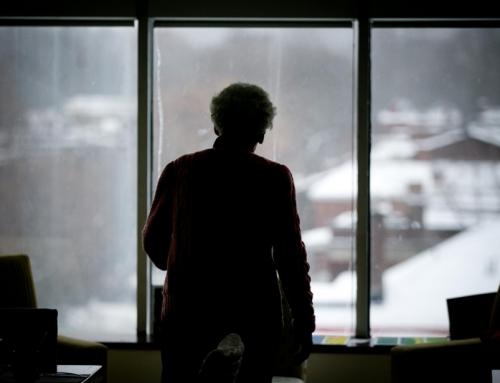 Maltraitance envers les aînés: une révision rapide de la loi réclamée – Article de La Presse